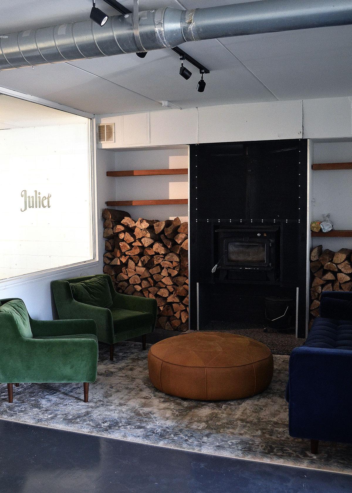 Juliet_Office_4